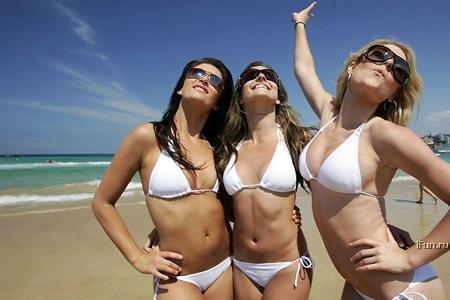 Record du monde de filles en bikini