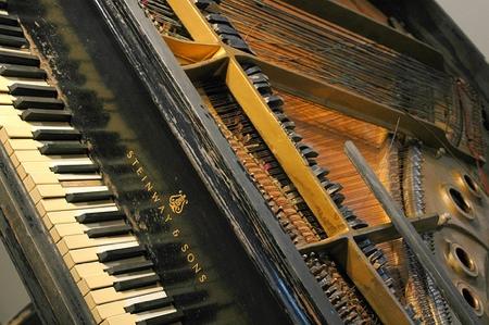 bowed_piano.jpg